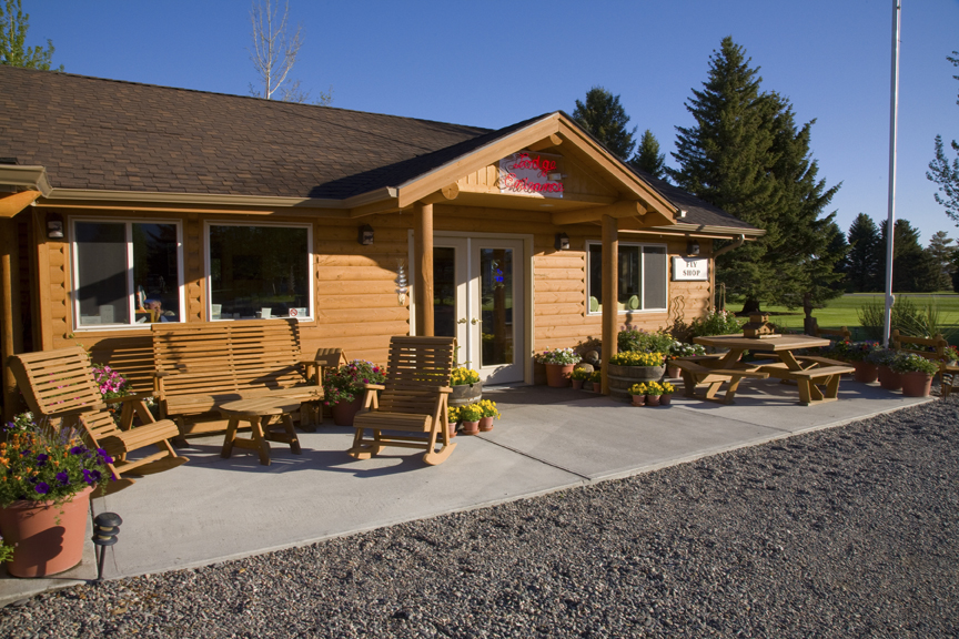 The Rainbow Valley Lodge Offers Plenty Of Options For Your Getaway In Ennis Montana Wver Kind Accommodations You Re Looking Motel Suites